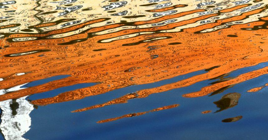 wodne malowidło abstrakcyjne